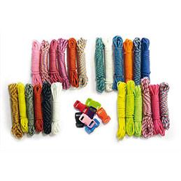 Lot de 30 fils en paracorde et 30 clips plastiques aux couleurs vives à tresser (photo)