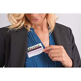 Badges adhésifs Avery - polyester soyeux - rectangle L80 x H50 mm - impression jet d'encre - blanc - sachet de 150 (photo)