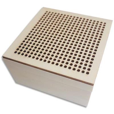 Boîte à broder First Loisirs - carrée en bois - format 90x90x50 mm