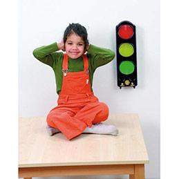 Feu de signalisation tricolore qui mesure le bruit et signal sonore quand seuil atteint. Dim 44x14x11 cm (photo)