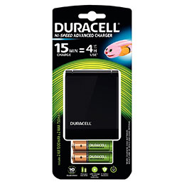Chargeur CEF27 DURACELL + 2 accus AA et 2 accus AAA (photo)